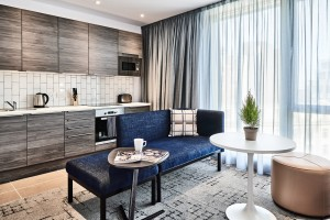 one-bedroom-apartment-quest-liverpool-city-centre-living-room-and-kitchen